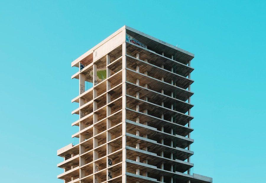 znikające czwarte piętro na warszawskiej pradze - więcej niż wyszukiwarka mieszkań